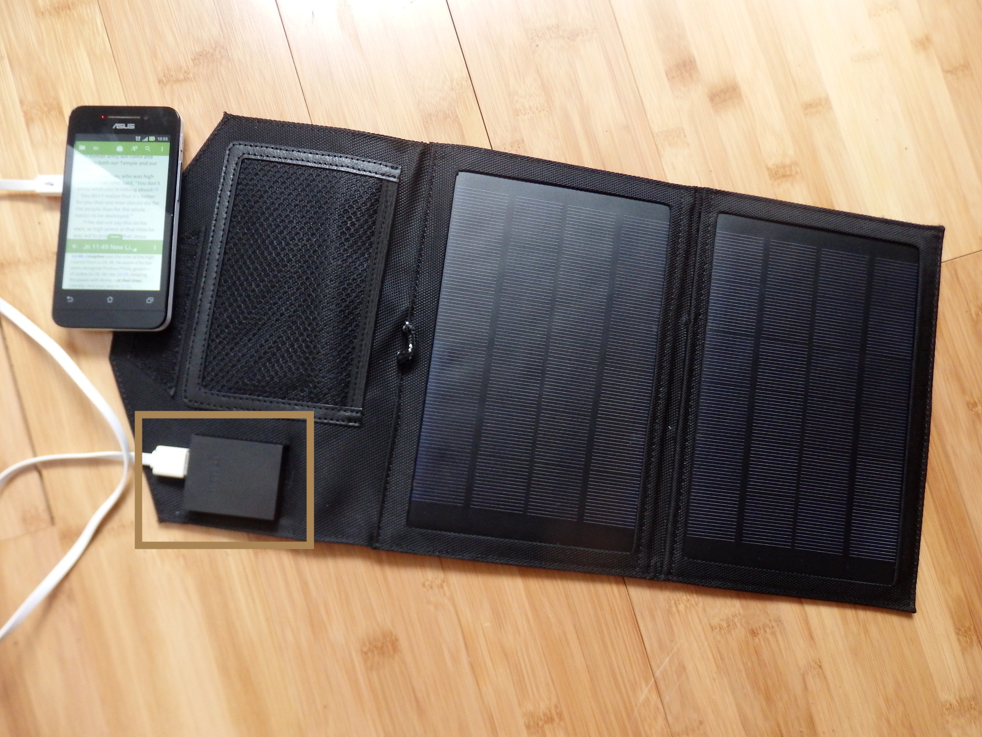 Fold Out Mobile Solar Charger 2000